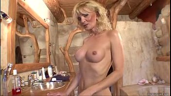 young crazy pussy pics