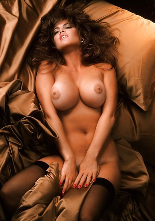 girl noy having sex on bed naked
