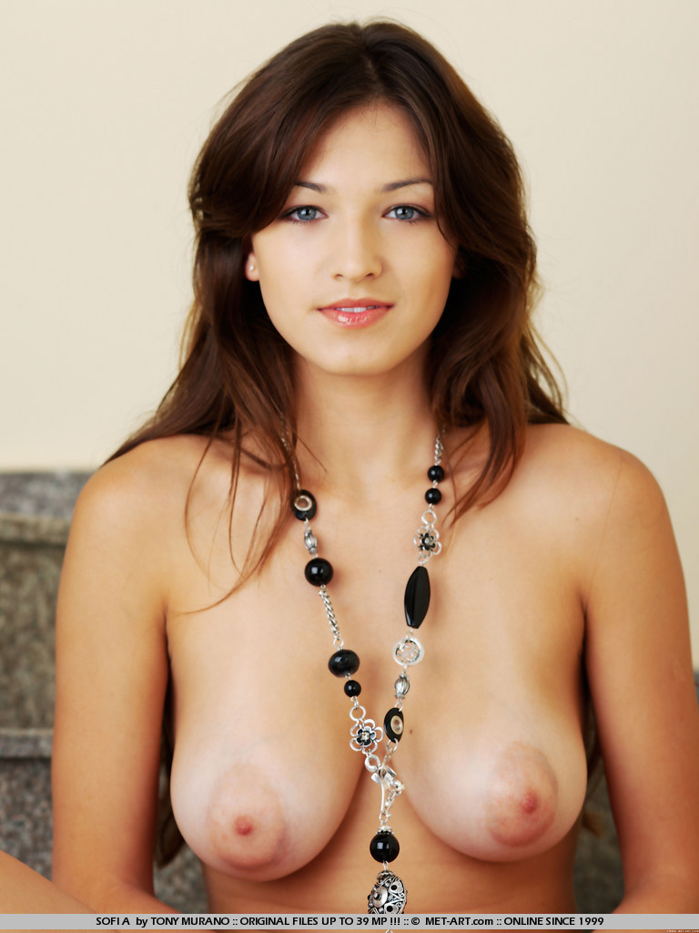 milfs and sexy young ladies